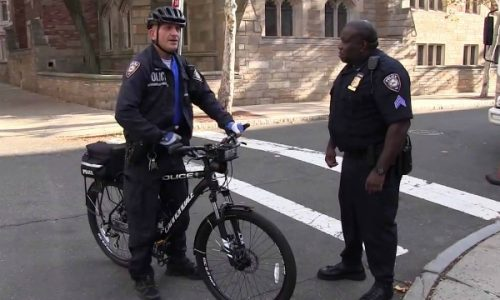 Yale University Police Protesting Delays in New Contract