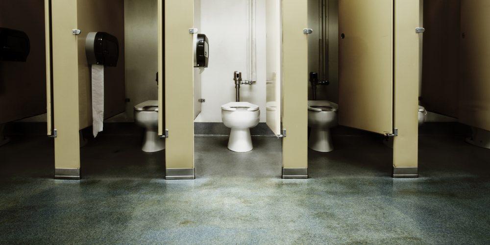 Wilson High School Removes Bathroom Stall Doors to Combat Vaping
